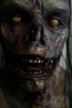 This is a zombie, but I like the cold decayed look it has. It looks leathery and weathered, but most importantly, soulless. Zombie Art, Zombie Makeup, Fx Makeup, Zombie Life, Arte Horror, Horror Art, Horror Movies, Creepy Horror, Scary