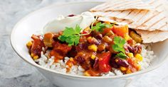 {All-in vegetarian chilli} Clear out the fridge and pantry with this fun Mexican dinner idea. Chilli Recipes, Bean Recipes, Veggie Recipes, Mexican Food Recipes, Dinner Recipes, Cooking Recipes, Healthy Recipes, Veggie Meals, Savoury Recipes