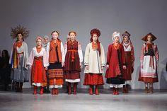 Photo et Vidéo :: Ukrainian Fashion Week Folk Fashion, Ethnic Fashion, Vintage Fashion, Ukraine, Folk Costume, Costumes, Ukrainian Dress, Ethno Style, Embroidered Clothes