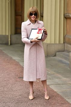 Vogue's Reigning Queen Is Honored by the Actual Freaking Queen of England