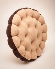 Cookie pillow with choco filling