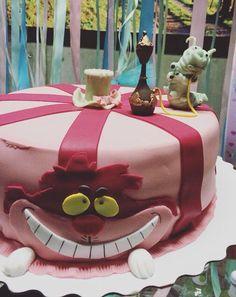 Наш праздничный торт/ bday cake Alice in wonderland