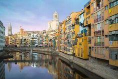 Die schönsten Airbnb's der Schweiz - Schweizer Illustrierte Girona Spain, Street View, City, Google Search, Nordic Style, Perfect Place, City Drawing, Cities