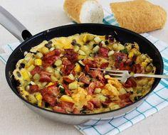 Egy finom Baconös-cukkinis serpenyős tojás ebédre vagy vacsorára? Baconös-cukkinis serpenyős tojás Receptek a Mindmegette.hu Recept gyűjteményében! Cookie Cups, Paella, Macaroni And Cheese, Hamburger, Lunch, Healthy Recipes, Dinner, Breakfast, Ethnic Recipes