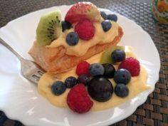 Vanillepudding leicht selbst gemacht.  Egal ob auf Apfel-, Himbeer- oder Erdbeerkuchen für viele Kuchenrezepte wird Pudding benötigt. So auch für die Blätterteig Puddingteilchen.
