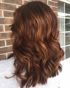 trendy hair color red brown highlights dark auburn - All For New Hairstyles Red Brown Hair Color, Dark Purple Hair, Hair Color Auburn, Hair Color And Cut, Ombre Hair Color, Color Red, Brown Auburn Hair, Brown Curls, Curls For Thick Hair