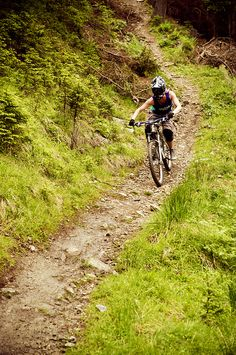 Learn how to downhill Please follow us @ https://www.pinterest.com/wocycling/