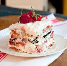 Vintage Strawberry Icebox Cake | RecipeLion.com