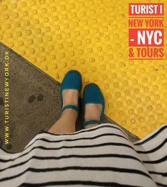 I need to be careful and not get too close to the edge #nycsubway     #turistinewyork #nycandtours #sightseeing #turist #dansk #dansktourguide #danskguide #children #funforkids #travelwithkids #tipsforkids  #licensedtourguide  #travelwithbaby #traveltips