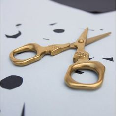 From hair-raising haircuts to creepy paper crafts, these heavy-duty general use scissors are both handy and haunting in equal measure.The best gift for edgy embroiderers. Bar Fancy, Cool Tech Gadgets, Gold Skull, Unique Gifts For Men, Presents For Her, Hair Raising, Skull Design, Gift Store, Scissors