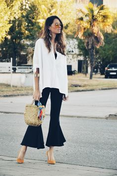#camisa #blanc #white #capazo #volantes #pants #pantalón #volantes #lookfortime #lookbook #ootd #outfit #style #trendy