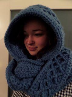 Ideas For Crochet Scarf Warm Hooded Cowl Crochet Wool, Crochet Quilt, Crochet Mittens, Crochet Poncho, Crochet Gifts, Crochet Scarves, Diy Crochet, Crochet Clothes, Crochet Baby Beanie