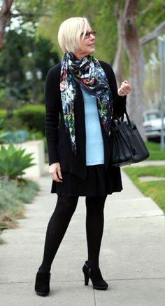 casual-outfits-for-women-over-40-1