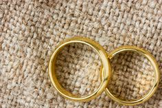 How to confess an affair without losing your spouse. See http://www.marriagehelper.com/how_to_confess_an_affair.php