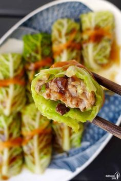 A tasty filling wrapped with cabbage leaves and served with a delicious sauce, Chinese steamed cabbage rolls are pretty, low-carb and very simple to make. Steamed Cabbage, Pork And Cabbage, Cabbage Soup Diet, Cooked Cabbage, Chinese Cabbage, Cabbage Recipes, Chinese Food, Pork Recipes, Asian Recipes