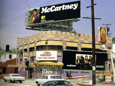 The Whisky a Go Go on the Sunset Strip, featuring Linda Ronstadt, with a billboard for Paul McCartney's first solo album on the roof Vintage Hollywood, West Hollywood, Whiskey A Go Go, Los Angeles Hollywood, Im Coming Home, California History, Southern California, Linda Ronstadt, San Fernando Valley