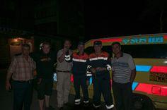 Das freundliche Helferteam und die Mongoleireisenden. Mehr unter http://www.absolutradio.de/blogs/ambulance-to-mongolia/ und bei http://mongolia.to