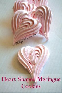Strawberry Meringue cookies are a light, airy tasty cookie that are easy to make and only need 5 ingredients! These strawberry meringue cookies are perfect for a Valentine's Day treat when you shape them like hearts! Valentine Desserts, Valentines Day Cookies, Mini Desserts, Valentines Baking, Valentine Treats, Valentine Cake, Kids Valentines, Plated Desserts, Christmas Cookies
