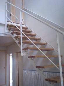 オープンな階段