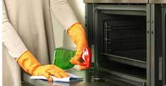 Brilliant easy way to clean your oven