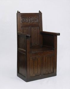 Box chairs or 'joyned cheyres', as they were called, furnished the houses of rich merchants as well as nobles. Their seats were supported by panelling rather than legs.