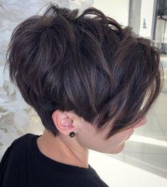 Edgy Pixie Hairstyles, Pixie Haircut For Thick Hair, Pixie Cut With Bangs, Blonde Pixie Cuts, Haircut For Older Women, Short Hair Cuts For Women, Hairstyles With Bangs, Short Hair Styles, Choppy Pixie Cut