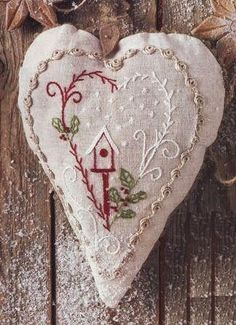 hand embroidery stitches for crazy quilts Cross Stitch Embroidery, Embroidery Patterns, Hand Embroidery, Eyebrow Embroidery, Embroidery Tattoo, Embroidery Services, Christmas Sewing, Christmas Embroidery, Felt Christmas Ornaments