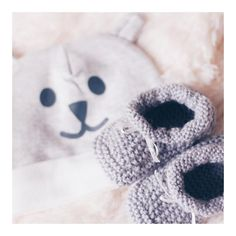 DIY knit hand made baby shoes