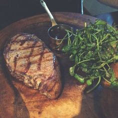 six out of ten magazine: Review: Caxton Terrace and Grill, St James' Park. Steak and salad