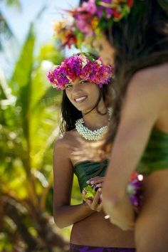 Les Polynésiennes et leur beauté légendaire nous ont inspiré la Gamme Polynésie Clairjoie