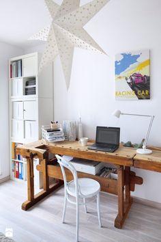 Gabinet - Styl Skandynawski - Homebook.pl 1950s Interior, Interior Design, Office Desk, Inspiration, Furniture, Interiors, Arrow Keys, Close Image, Home Decor