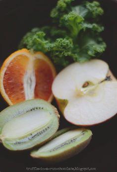 Trufla: Smoothie 5. Imbir, jarmuż, kiwi, słodkie jabłko i czerwona pomarańcza.