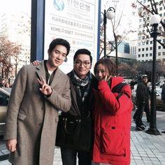 '그날의 분위기' 유연석-문채원-조재윤, 촬영장에서 다정하게 '브이!' : 한경닷컴 연예 :: 텐아시아