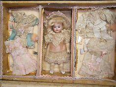 Magnifique Original Antique French Etrennes Presentation Doll in Box Dresses Acc | eBay