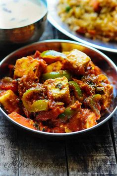 Paneer Jalfrezi recipe - a popular restaurant-style ( Paneer cheese) recipe that has some vegetables thrown in. Paneer Jalfrezi goes fabulously with nan or pulao and gives a nice protein kick to the meal, especially for vegetarians Easy Paneer Recipes, Indian Paneer Recipes, Curry Recipes, Vegetable Recipes, Indian Food Recipes, Vegetarian Recipes, Cooking Recipes, Healthy Recipes, Ethnic Recipes