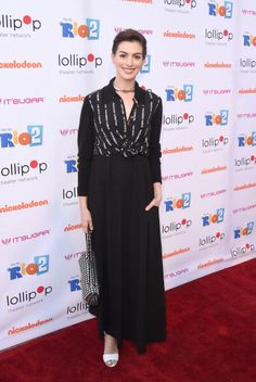 Anne Hathaway attends the Lollipop Theater Network's Night Under The Stars Screening Of Twentieth Century Fox's 'Rio 2' Hosted by Anne Hathaway at Nickelodeon Animation Studio on April 26, 2014 in Burbank, California
