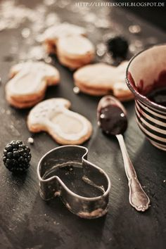 butiksofie: Pilz Kekse mit Brombeer Marmelade und ein Waldpicknick