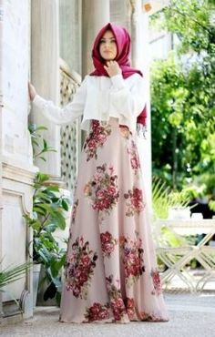 Skirt fashion show style 51 Ideas Modest Fashion Hijab, Abaya Fashion, Skirt Fashion, Fashion Dresses, Fashion Muslimah, Hijab Chic, Modest Dresses, Stylish Dresses, Simple Dresses