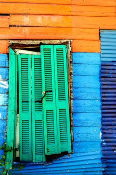 La Boca, Buenos Aires, Argentina World Of Color, Color Of Life, Street Photography, Art Photography, Tropical Colors, Bright Colors, Hawaii Homes, Color Harmony, Slums