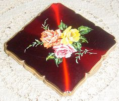 Red Vintage Mirrored Powder Compact