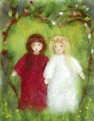 Snow White and Rose Red. Wet Felting, Needle Felting, Felt Crafts, Diy And Crafts, Felt Wall Hanging, Felt Pictures, Felt Fairy, Felting Tutorials, Wool Applique
