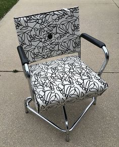 I found this old beauty shop chair on a FB Buy, Sell, Trade site. It was only $30 so I snapped it up. It was solid as a rock.  The vinyl had metallic flecks. I