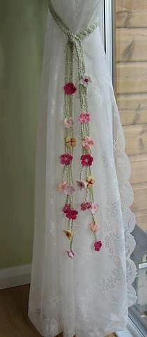 Crochet Curtain Tie Back A great idea and beautiful addition to a home. Nice.