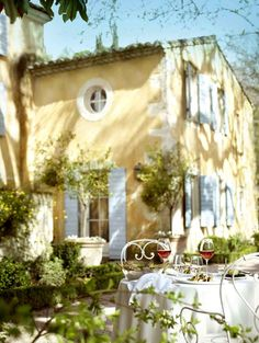 Provence country din