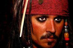 Jhonny Depp ...Pirate Jack Sparrow (So Yummy!)