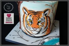 """This is my piece for """"Animal Right Collaboration """" Hand Painted Siberian Tiger. """"Animal Rights"""" is an international public cake collaboration hosted by Tartas Imposibles by Isabel Tamargo. More than 160 amazing pieces in defense of animal rights! Tiger Cake, Planet Cake, Hand Painted Cakes, Siberian Tiger, Edible Art, Animal Rights, Daily Inspiration, Collaboration, Sculpting"""