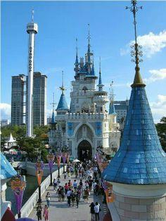 Lotte World #Seoul #Korea must go!! http://beginnerenglishtothai.blogspot.com/