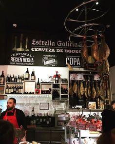 La fameuse #bodega en #Madrid où pendent les jamones... #foodporn #instagood #espana http://ift.tt/2fFHeP4