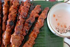 """Filipino Foods And Recipes - Pinoy foods at its finest.: Filipino BBQ Recipe Philippines Barbecue My buddy makes this for our football tailgates. We call it """"Crack On A Stick"""". Filipino Pork Bbq, Filipino Dishes, Filipino Recipes, Filipino Food, Filipino Appetizers, Filipino Desserts, Asian Recipes, Pork Bbq Marinade, Bbq Pork"""