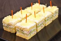 Hladno predjelo - slani rolati, proja i slana torta Easy Cake Recipes, My Recipes, Baking Recipes, Dessert Recipes, Gourmet Appetizers, Appetizer Recipes, Macedonian Food, Croatian Recipes, Food Garnishes